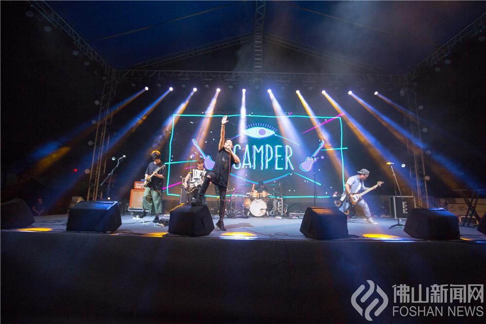 4月30日,第二届文翰湖音乐节在三山新城文翰湖公园激情开唱!(组图:陈憧炜、黄惠信)