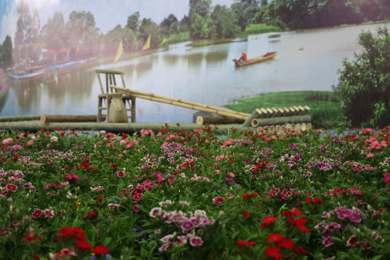一河三岸的河畔风光、听见花开的声音、贤鲁岛上愉悦的农唱、www.m95510.com、艺术河畔的诗意水岸……_副本.jpg