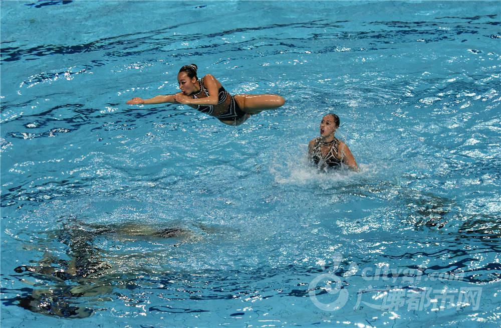 水上芭蕾(摄于世纪莲体育馆) 作者:江光华