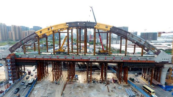 环城际铁路首个系杆拱桥顺利合龙