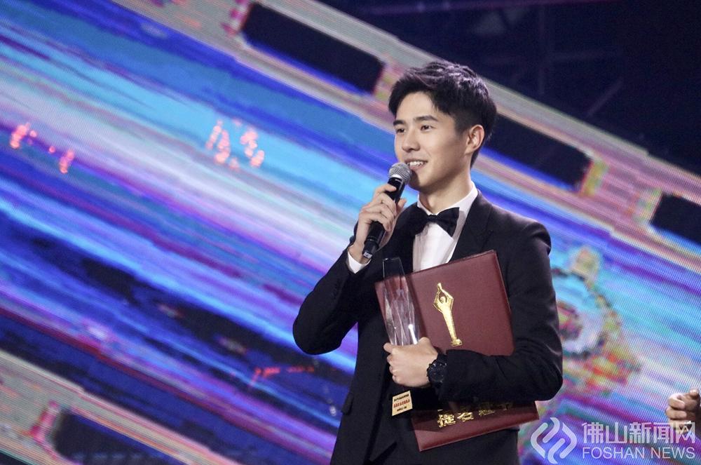 刘昊然凭借《唐人街探案2》中饰演秦风一角获第34届大众电影百花奖最佳男主角提名,这是他首次获得最佳男主角的提名。(图:黄惠信)